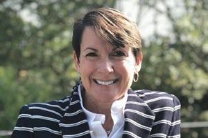 Julie Gallutia Headshot